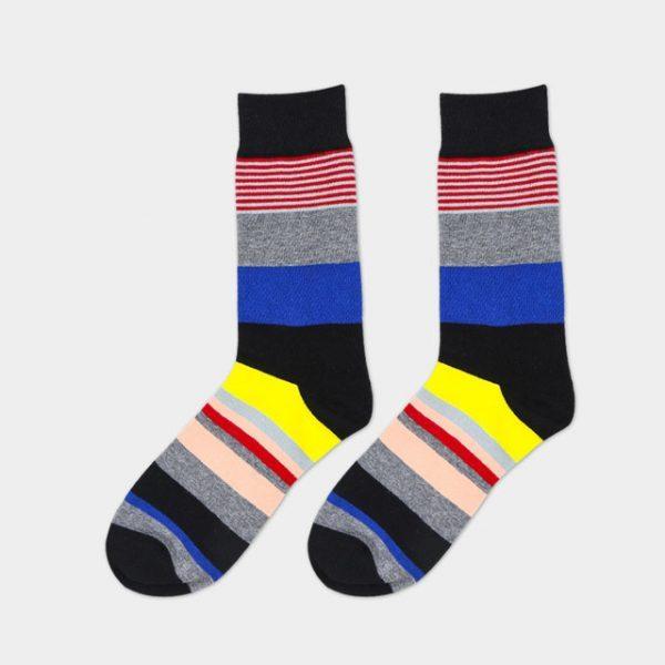 Яркие носки под деловой костюм