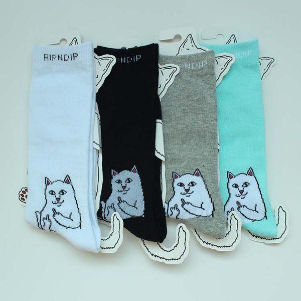 Яркие белые носки с котиками марки RIPNDIP