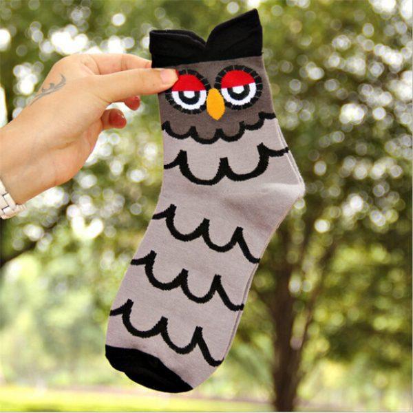 Женские носки в виде совы в серых тонах