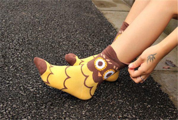 Женские носки в виде совы в желтых тонах