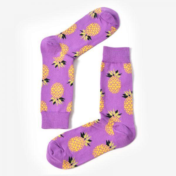 Фиолетовые носки с ананасами